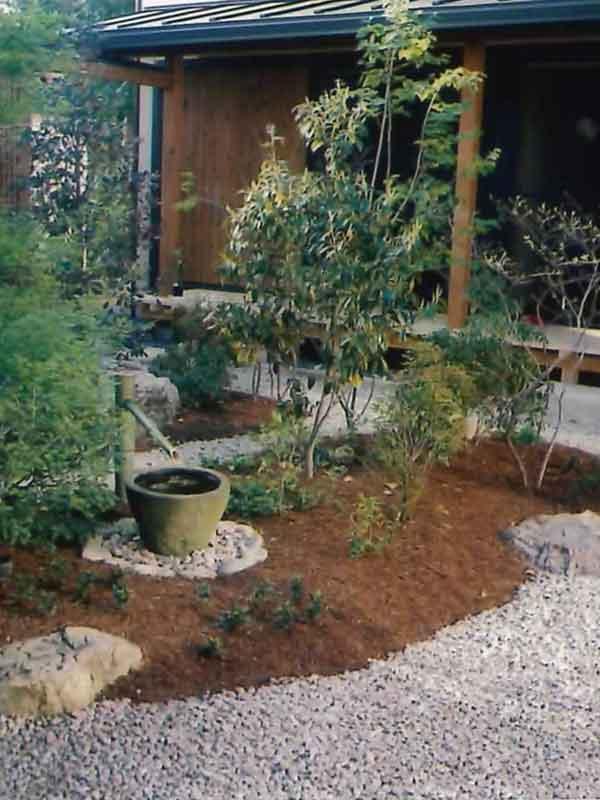 東海ガーデンは造園後も庭木の剪定などメンテナンスを承ります。